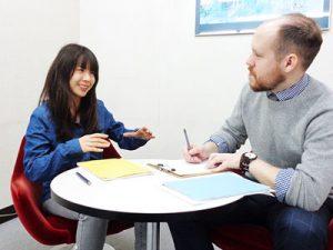 ムダのないポイント制で、日常英会話からビジネス英語まで自由自在に学べます。