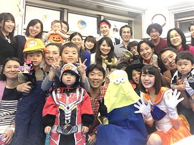 新宿の英会話スクールトーク・アベニュー ハロウィンパーティーの様子の写真